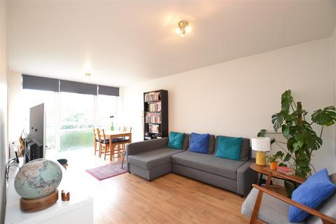 2 bedroom apartment to rent - Apex Lodge, Lyonsdown Road, Barnet, Hertfordshire, EN5