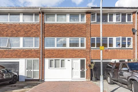 5 bedroom townhouse for sale - Edwards Gardens Swanley BR8