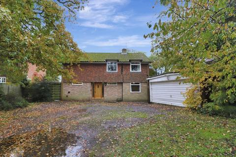 4 bedroom detached house for sale - Berghers Hill, Wooburn Common, HP10