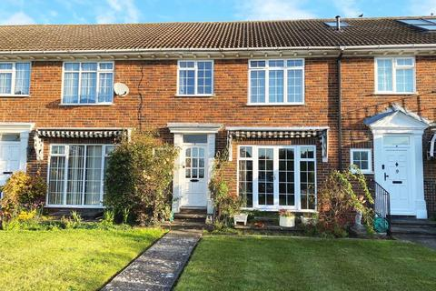 3 bedroom terraced house for sale - Balmoral Grange, Laleham upon Thames, TW18