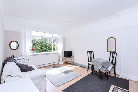2 bedroom flat for sale - Cholmeley Park, Highgate