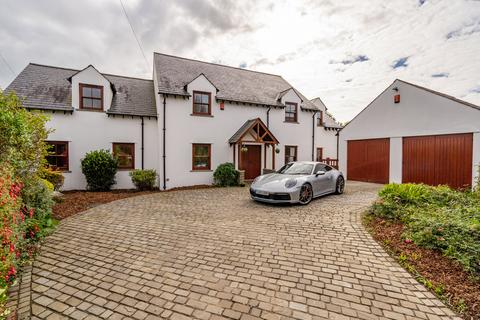 4 bedroom property for sale - Hill Lodge, Overton