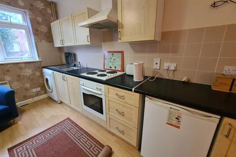 Studio to rent - Clarendon Park Road, Leicester