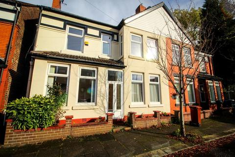 4 bedroom semi-detached house to rent - Craighall Avenue, Burnage, M19