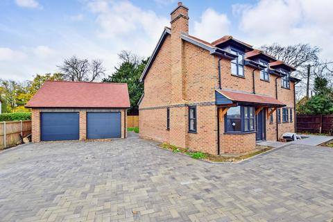 4 bedroom detached house to rent - Grove Ferry Hill Upstreet CT3