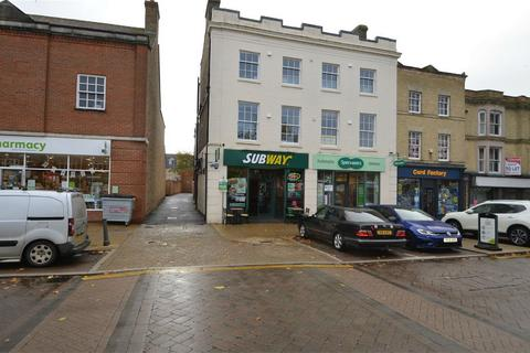 1 bedroom flat to rent - Market Square, Biggleswade, Bedfordshire
