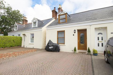 3 bedroom semi-detached house for sale - La Route des Blanches, St Martin's, Guernsey, GY4