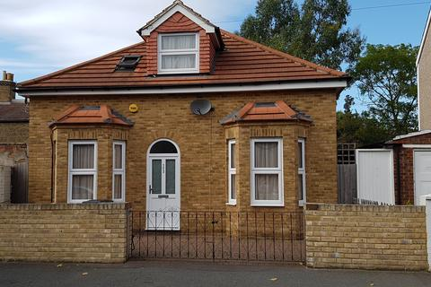 1 bedroom house share to rent - Holmesdale Road, Norwood, 19 Dalberg Way, London SE25