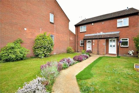 2 bedroom semi-detached house - Berkeley Close, ABBOTS LANGLEY, Hertfordshire
