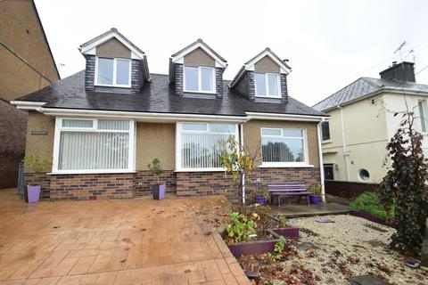 3 bedroom detached house for sale - Hemingford, Heol Eglwys, Pen-Y-Fai, Bridgend, Bridgend County Borough, CF31 4LY
