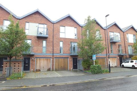 3 bedroom terraced house for sale - Vosper Road, Woolston