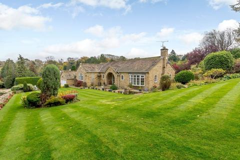 3 bedroom detached bungalow for sale - Wetherby Road, Bardsey, LS17
