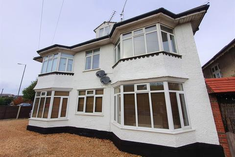 3 bedroom apartment for sale - Queens Park South Drive, Bournemouth
