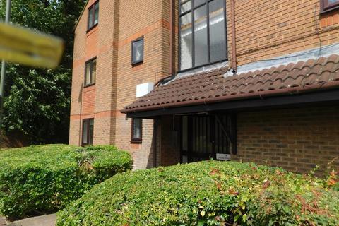 1 bedroom ground floor flat to rent - Fairfield Avenue