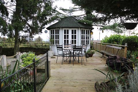 4 bedroom farm house for sale - Warren House Farm