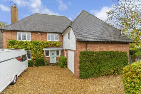5 bedroom detached house for sale - Marion Close, Cambridge