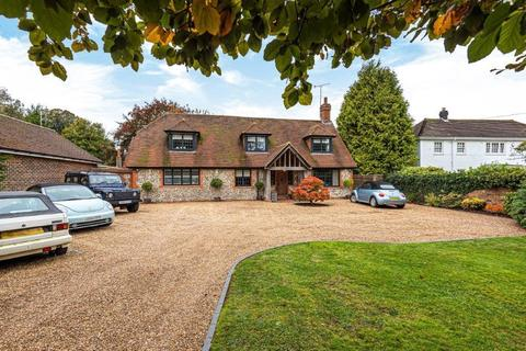 3 bedroom detached house for sale - High Road, Chipstead