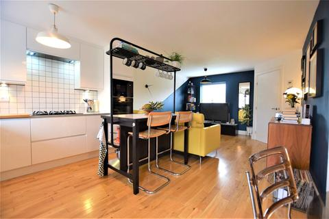 3 bedroom semi-detached house for sale - The Staiths
