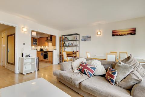 2 bedroom apartment to rent - Cascades Tower, E14