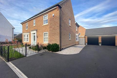 4 bedroom detached house for sale - Hunters Road, Fernwood, Newark, NG24