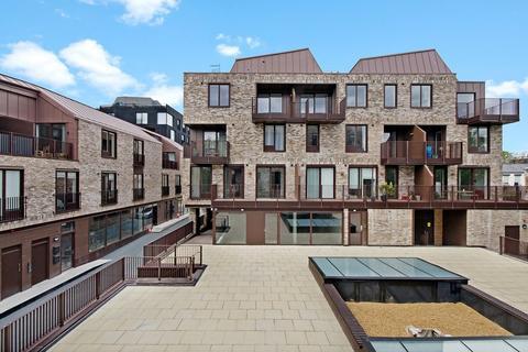 3 bedroom apartment to rent - Gransden Avenue, Hackney, E8
