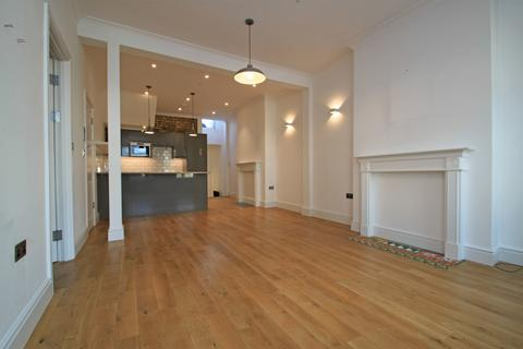 1 bedroom apartment to rent - Muswell Hill Broadway, London (With large Study room)