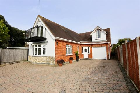 4 bedroom detached bungalow for sale - Belle Vue Road, Bournemouth, BH6