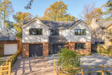 6 bedroom detached house for sale - Coldeast Way, Sarisbury Green