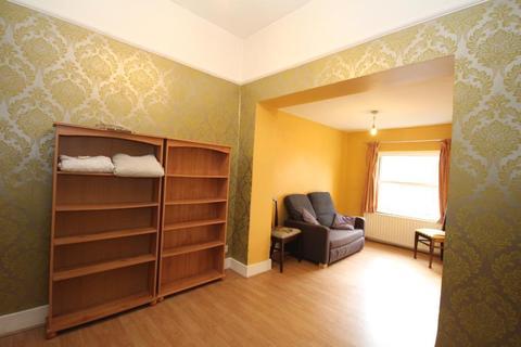 1 bedroom flat to rent - Allen Road, Stoke Newington, London, N16 8SD