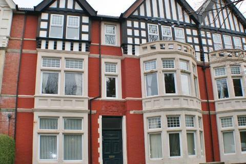 1 bedroom flat to rent - Victoria Square, Penarth, CF64 3EJ