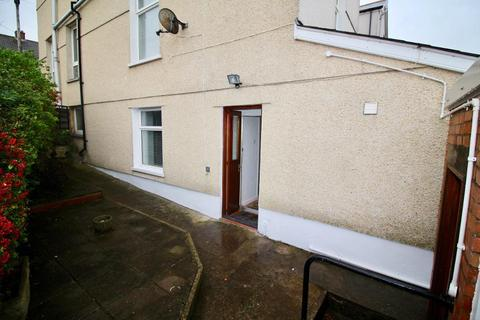 2 bedroom maisonette for sale - Queens Road, Penarth, CF64 1DH