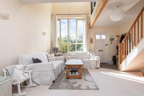 2 bedroom apartment to rent - Linden Court