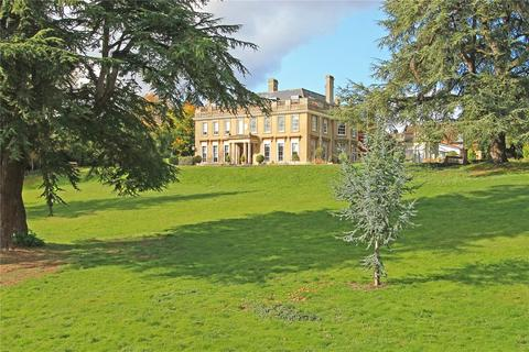 3 bedroom apartment for sale - Douces Manor, St Leonards Street, West Malling, ME19