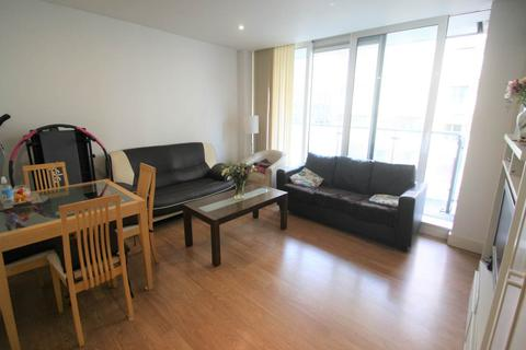 2 bedroom flat to rent - Latitude Court, Albert Basin Way, Royal Docks