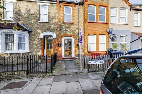 2 bedroom flat for sale - Morley Hill, Enfield