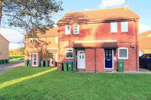 2 bedroom terraced house for sale - Foster Close, Aylesbury