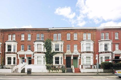 3 bedroom apartment to rent - Fulham Palace Road, SW6
