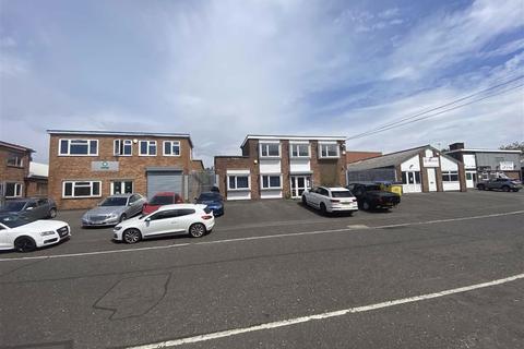 Warehouse to rent - Pomeroy Drive, Oadby