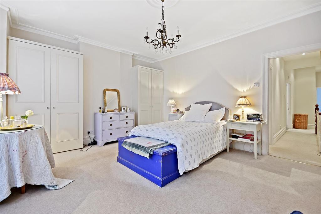 First Avenue   Bedroom C3 1.jpg