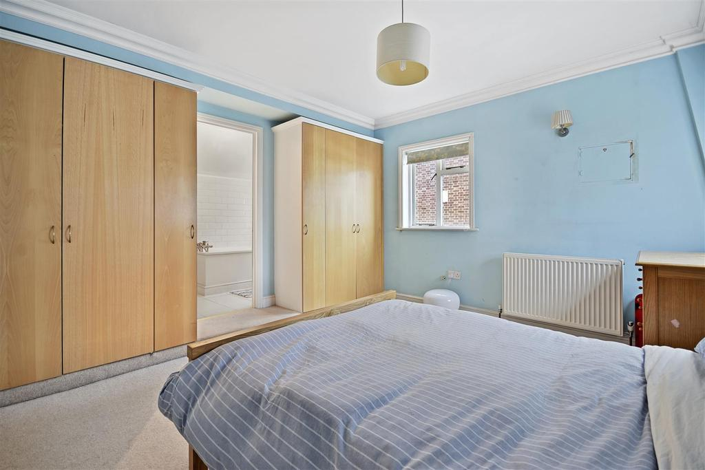 First Avenue   Bedroom E3 1.jpg