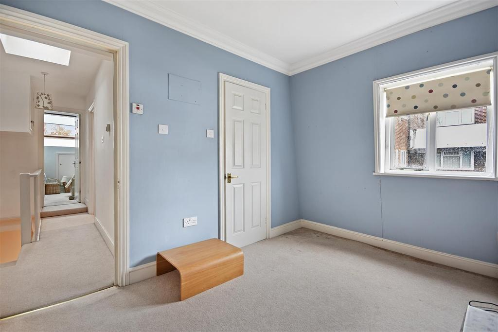 First Avenue   Bedroom F3 1.jpg