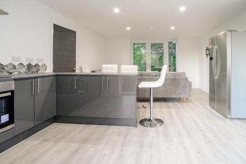 6 bedroom duplex to rent - FREE TRAM PASS*£150pppw inclusive of bills* Sherwood, Queens Road East, Beeston, Nottingham