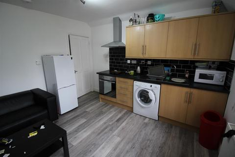 2 bedroom flat to rent - *£80pppw* Woodside Road, Lenton Abbey, NG9 2SB - UON