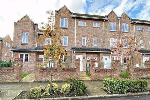 3 bedroom townhouse for sale - Great Oak Drive, Altrincham, Cheshire