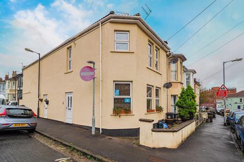 1 bedroom flat for sale - Upton Road, Southville