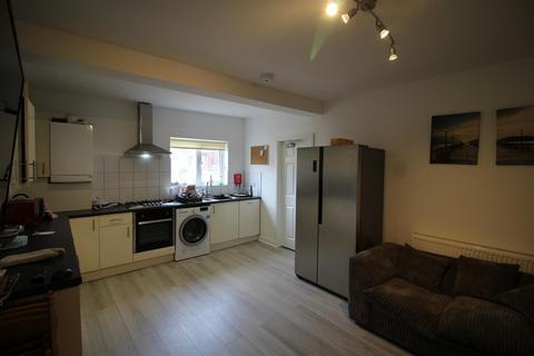 6 bedroom semi-detached house to rent - *£100pppw* Fletcher Road, Beeston, NG9 2EL - UON