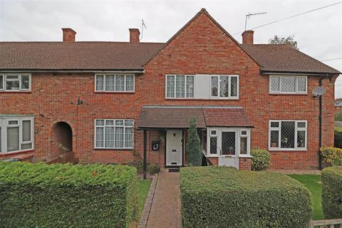 3 bedroom terraced house for sale - Taynton Drive, Merstham, Redhill