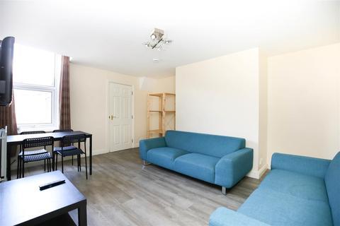 6 bedroom maisonette to rent - Starbeck Avenue, Sandyford, NE2