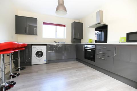 4 bedroom terraced house to rent - Milton Place, Shieldfield, NE2