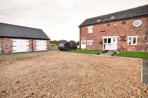 3 bedroom barn conversion for sale - Dragons Lane, Moston, Sandbach